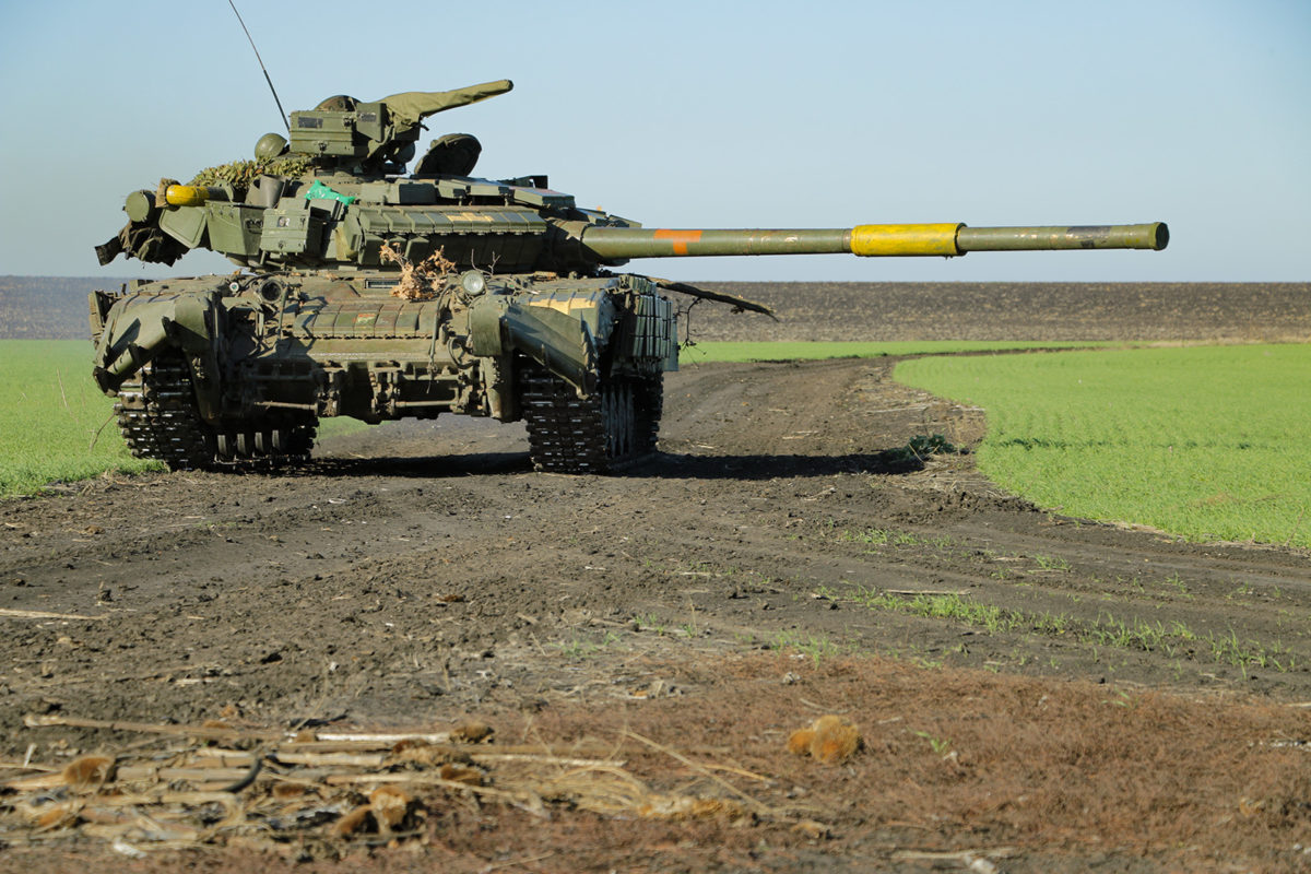 У районі ООС танкісти виходять на вогневий рубіж
