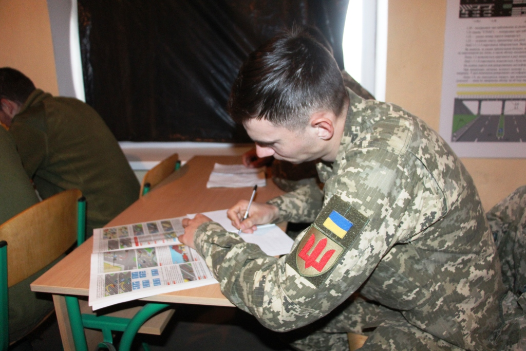 На Рівненщині військових водіїв готуватимуть за сімома категоріями