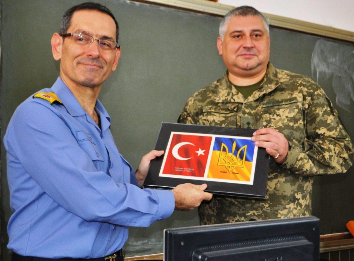 У Військовому інституті телекомунікацій та інформатизації імені Героїв Крут проходять Дні НАТО