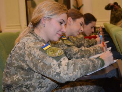 Щорічний радіодиктант національної єдності у Міноборони писали одночасно понад 200 військовослужбовців