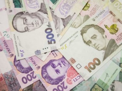 Понад 50 000 гривень можуть отримати деякі військовослужбовці в разі укладання першого контракту