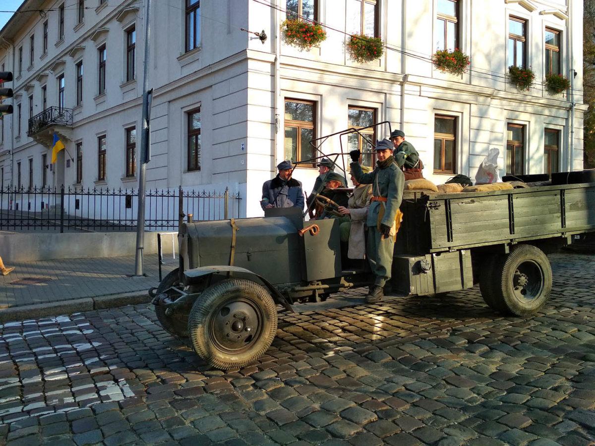 У Львові розгорнули блокпости