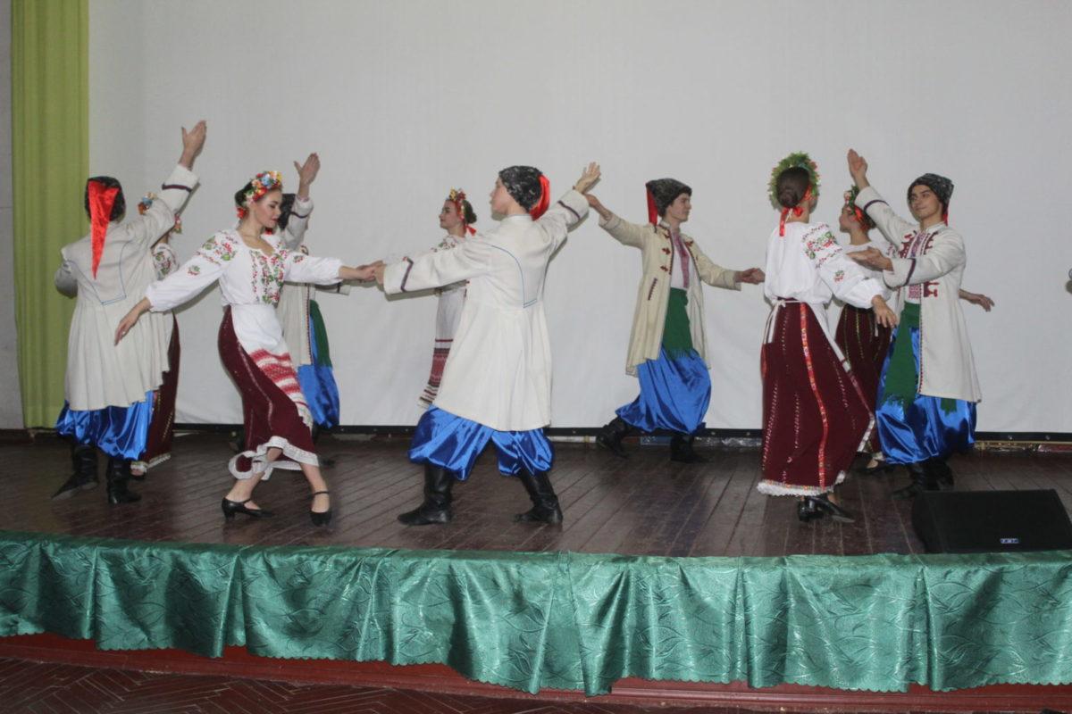 Пацієнтів Дніпровського військового госпіталю музичним концертом підтримали студенти театрально-художнього коледжу