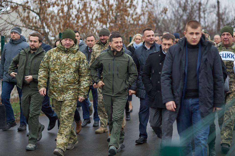 Володимир Зеленський відкрив міст у Станиці Луганській