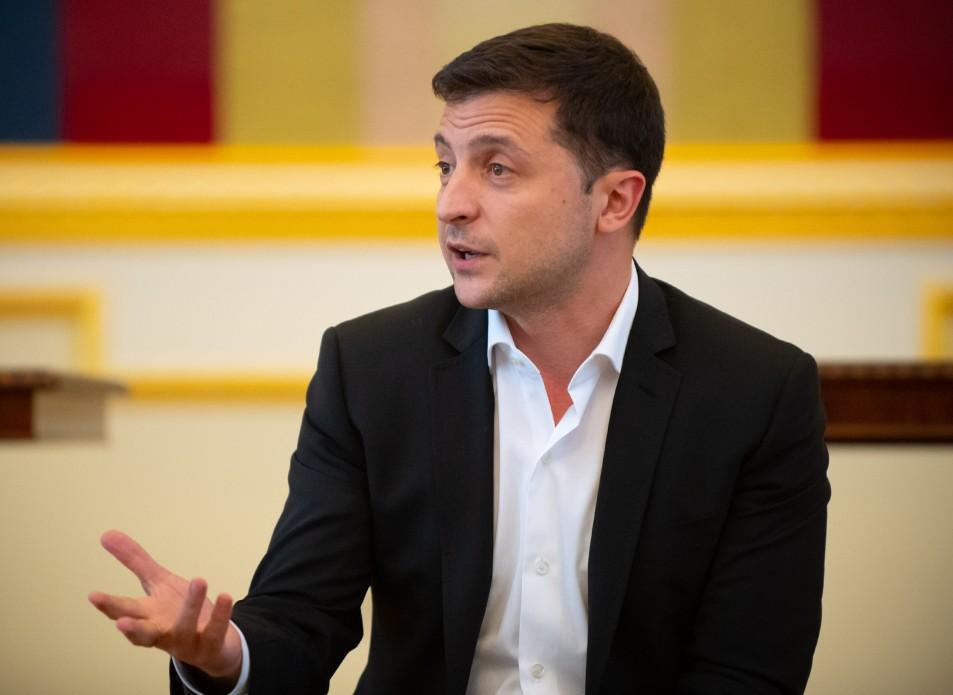 Президент України дав інтерв'ю іноземним ЗМІ про Крим, Донбас, Мінські переговори