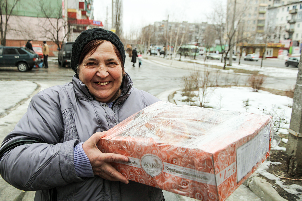 Луганчани, які не втомилися допомагати армії
