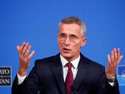 Росія самостверджується, використовуючи військову міць проти України і Грузії, – Столтенберг