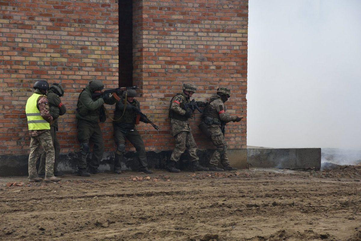 Наступного року не менше ніж 8 батальйонно-тактичних груп навчать воювати у місті