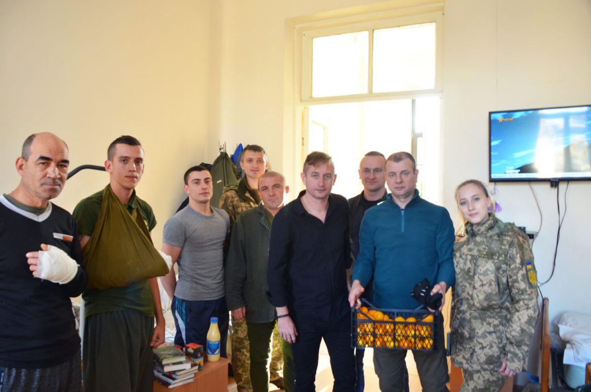 Сергій Жадан відвідав поранених у Дніпрі