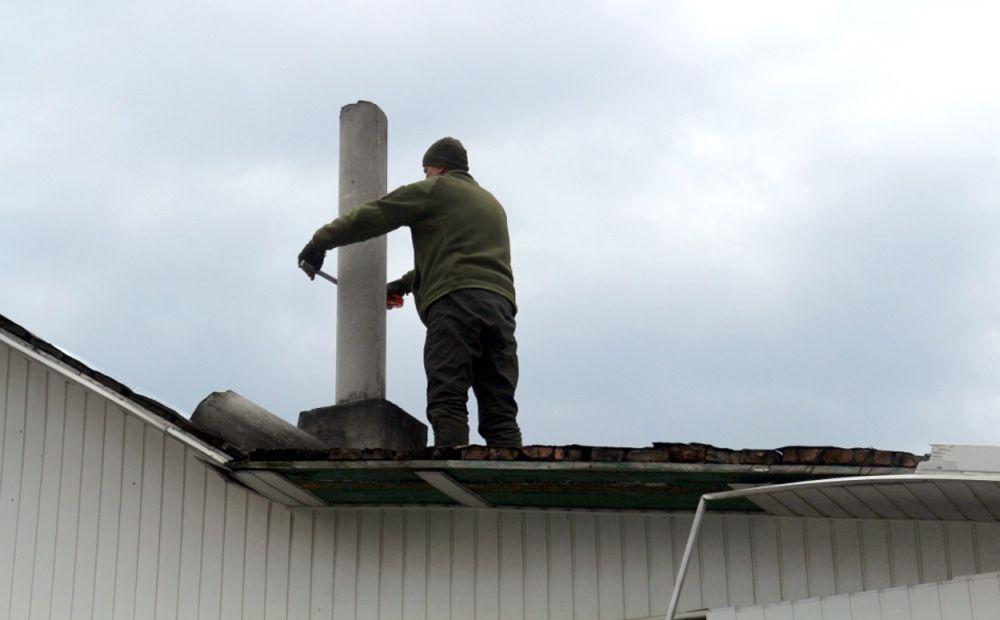 На Луганщині окупанти вкотре обстріляли місцеве населення