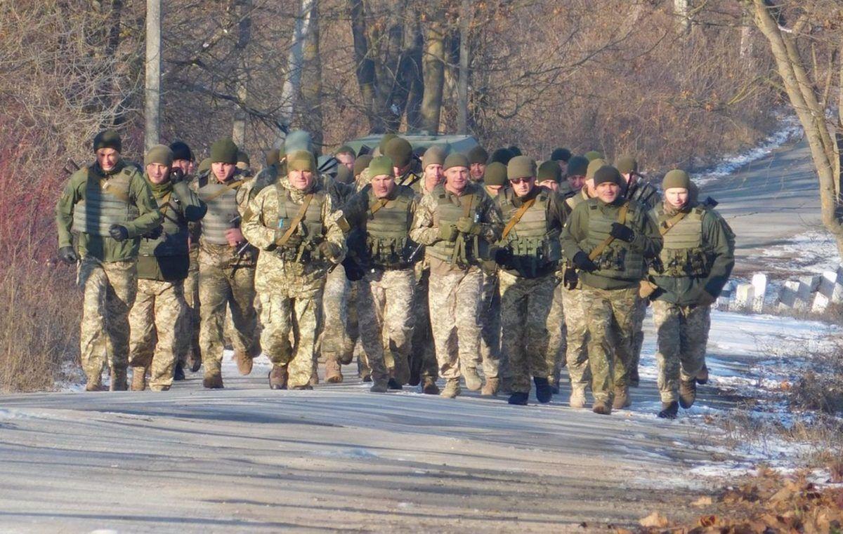 У Кам'янець-Подільському відзначили день ЗСУ п'ятикілометровим марш-кидком