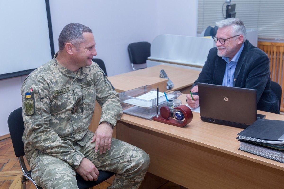 В Національному університеті оборони України українські офіцери опановують військову термінологію за стандартами НАТО та ООН