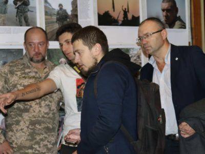 В Одесі працює фотовиставка за участю АрміяInform «Одна війна — одна нація — два погляди»