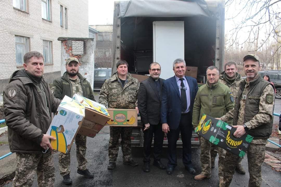 Латвійці передали 320 тонн гуманітарки для Донбасу