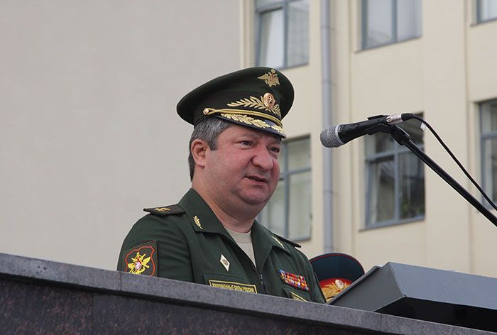 Трохи пошахраїв: суд у Москві заарештував майно заступника начальника Генштабу РФ