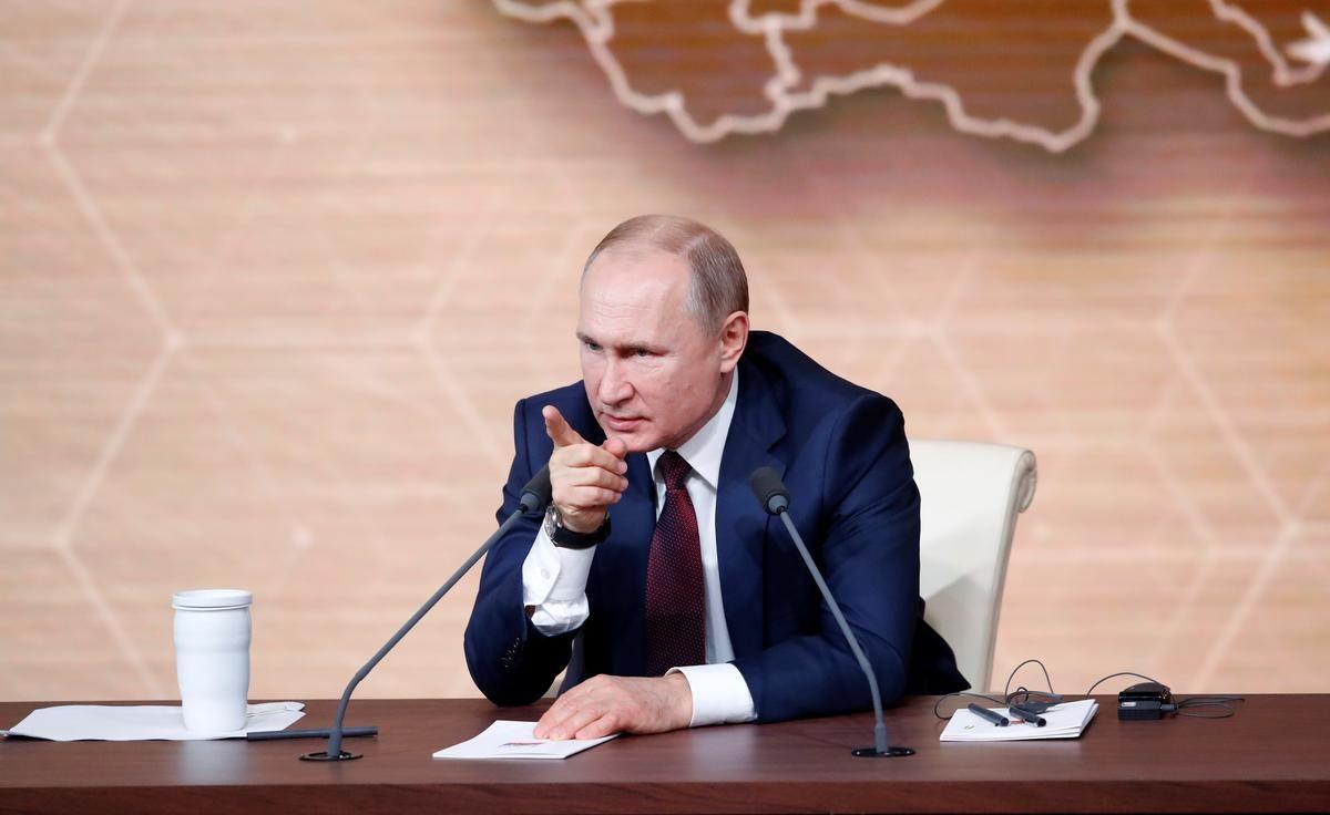 Путін поспостерігав за масштабними навчаннями в Криму