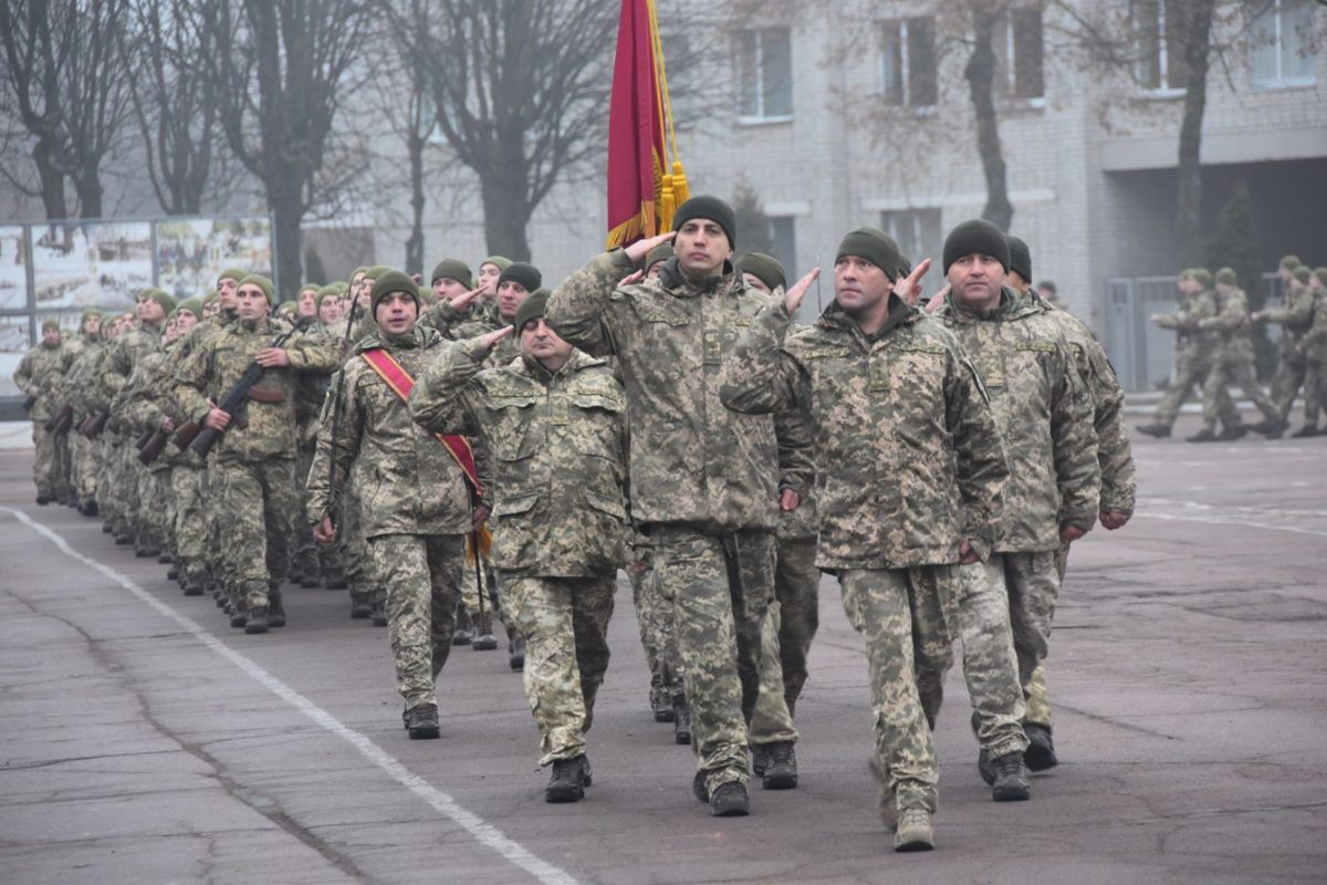 Пів тисячі строковиків осіннього призову присягнули на вірність Україні в Чернігові