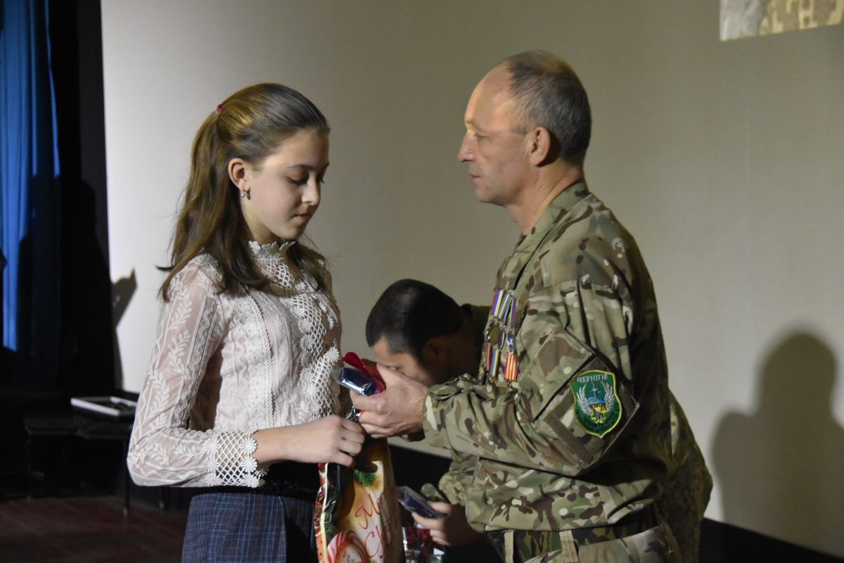 Кулон-оберіг «Батьківське серце» подарували дітям полеглих Героїв