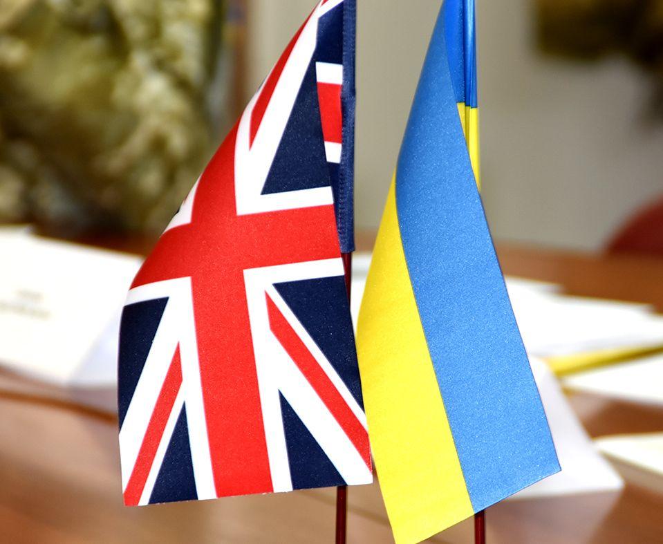 Британці пропонують збільшити кількість курсів підготовки українських авіаторів за програмою ORBITAL