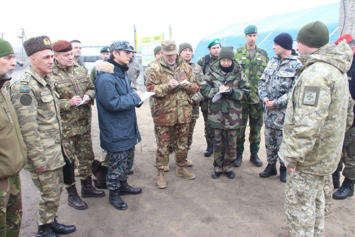 Іноземні військові дипломати відвідали підрозділи Об'єднаних сил на Приазов'ї