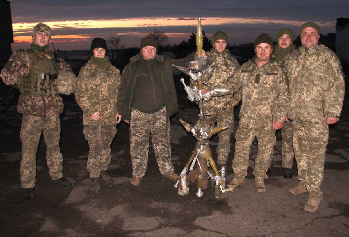 """Бійці ООС показали свою новорічну """"ялинку"""""""