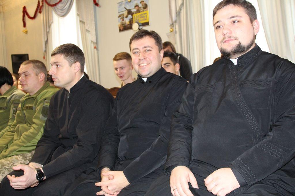 У солдатів США, Канади й України дуже схожі духовні потреби — військові капелани армій трьох країн
