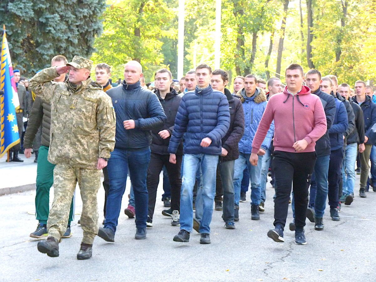 Дніпропетровщина завершила осінній призов громадян на строкову службу
