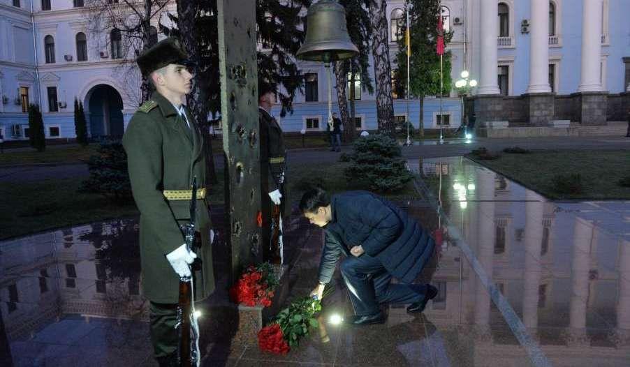 Жоден із загиблих воїнів не має бути забутим, адже їм ми завдячуємо спокоєм у наших родинах, – Дмитро Разумков