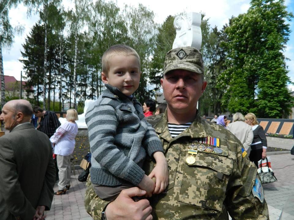 «Найважче було ховати своїх друзів» — розвідник із 16-го батальйону про бої за Авдіївську промзону