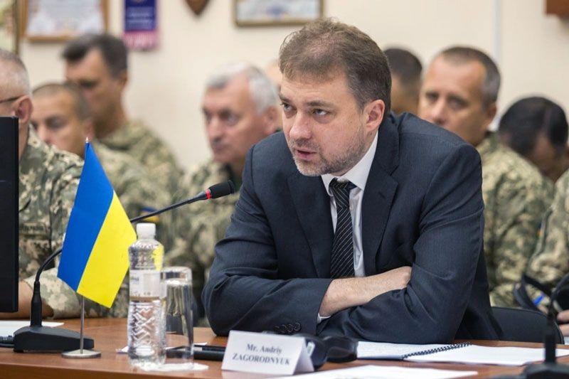 Міністр оборони: «Жодних поступок територіями, інтересами людей, цілісністю країни»