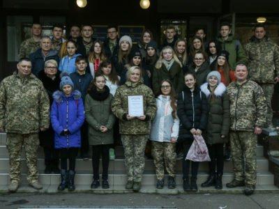 Волинські школярі зробили подарунок воїнам 14-ї бригади