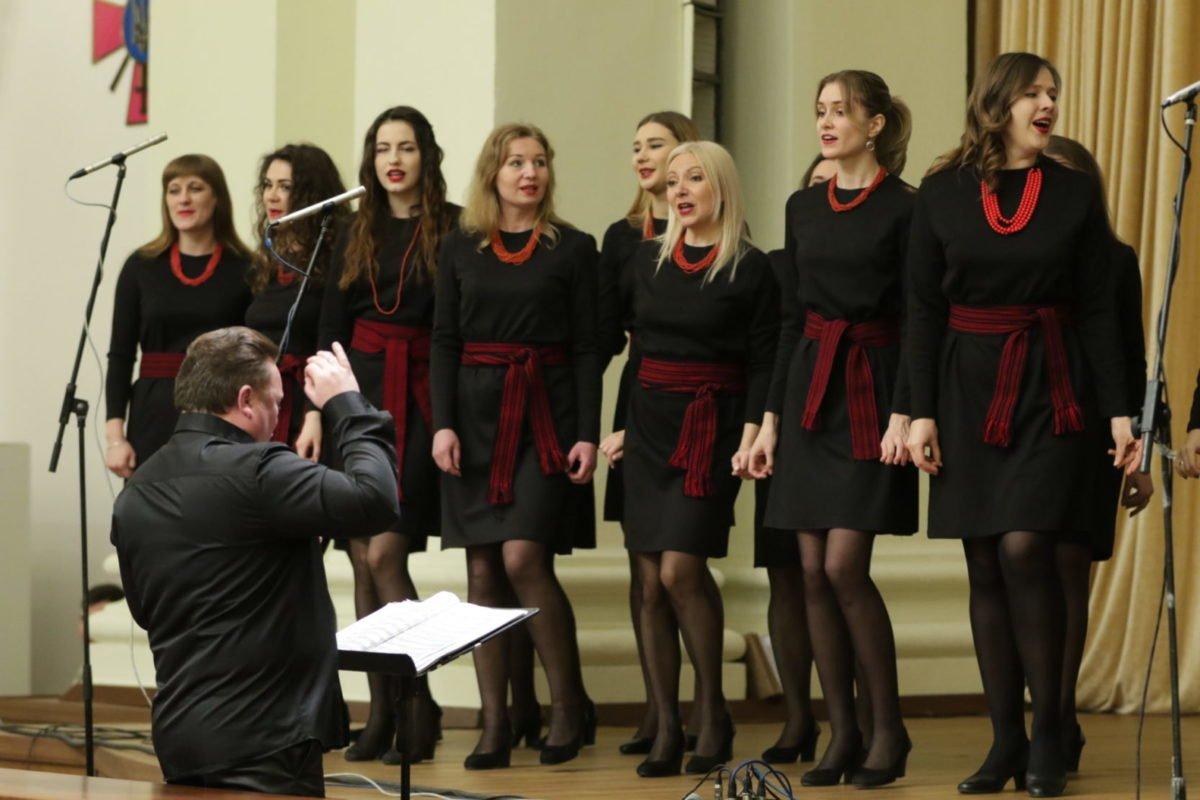 Кавер-версія популярної класичної музики для війська
