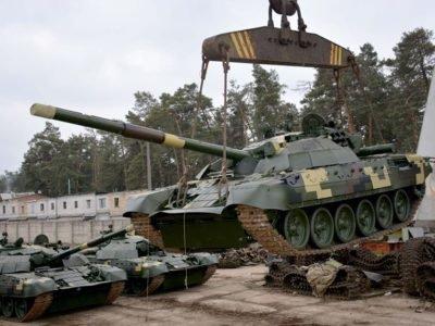 На Київському бронетанковому заводі відвантажено першу партію відремонтованих танків Т-72