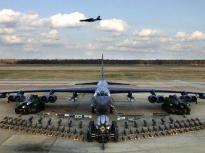 Пентагон перекинув бомбардувальники B-52 на Близький Схід