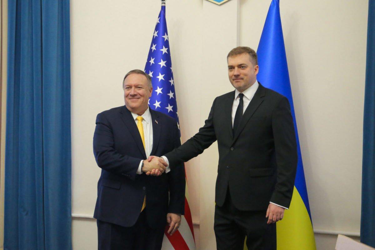 Міністр оборони України провів зустріч з Державним секретарем США