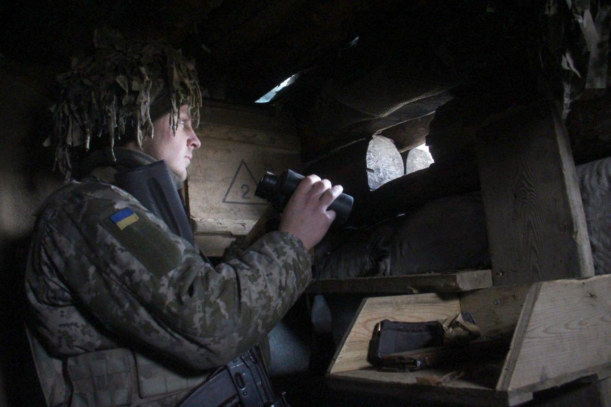 На Приазов'ї противник намагається виманити наших армійців під вогонь снайперів