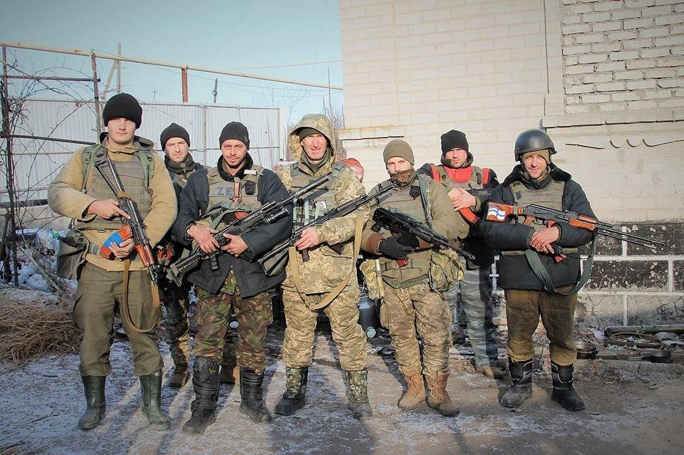 Як морпіхи в 70-ти метрах від бойовиків Новий рік зустрічали!
