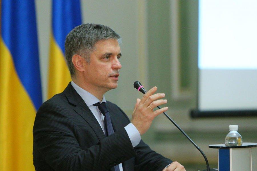 Зрив Мінського процесу чи збіг? МЗС України та ОБСЄ обговорили збільшення обстрілів на Донбасі