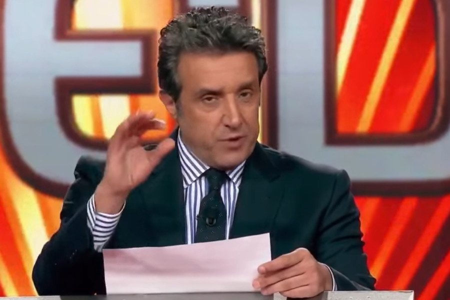 «Україна — це не мала Росія»: італійський ведучий публічно вибачився за свої слова