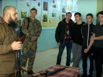 Ветерани війни показали школярам майстер-клас