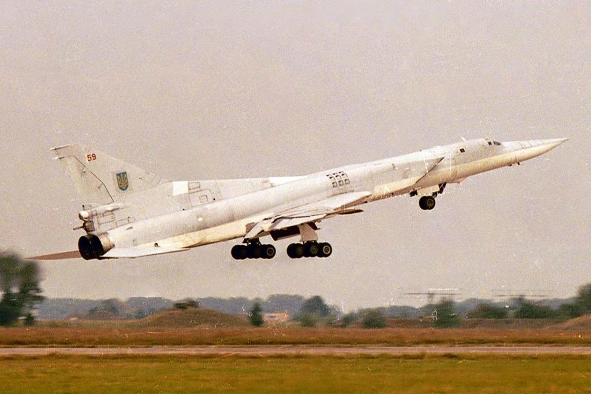 27 січня 2007 року на авіабазі «Полтава» був ліквідований останній 60-й стратегічний бомбардувальник Ту-22М