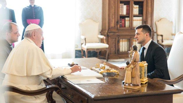 Володимир Зеленський попросив Папу Римського допомогти зі звільненням полонених українців