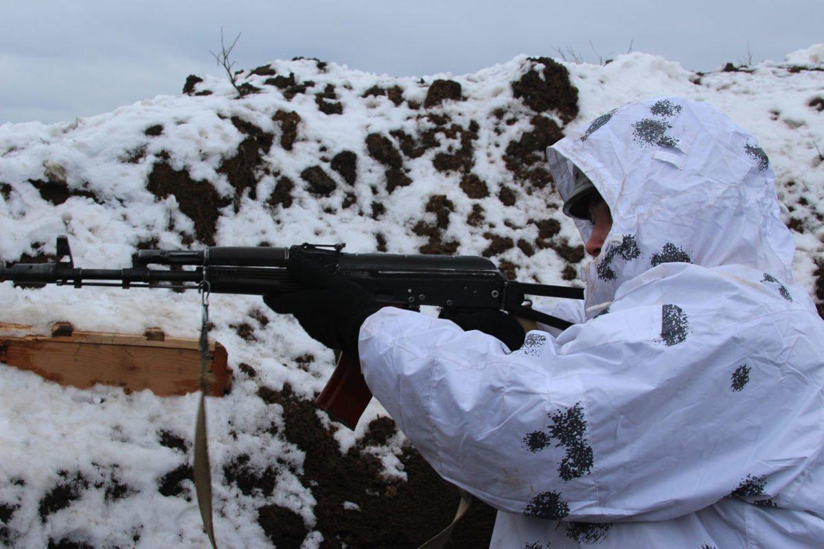 На Приазов'ї – пориви вітру, мокрий сніг, працюють снайпери…