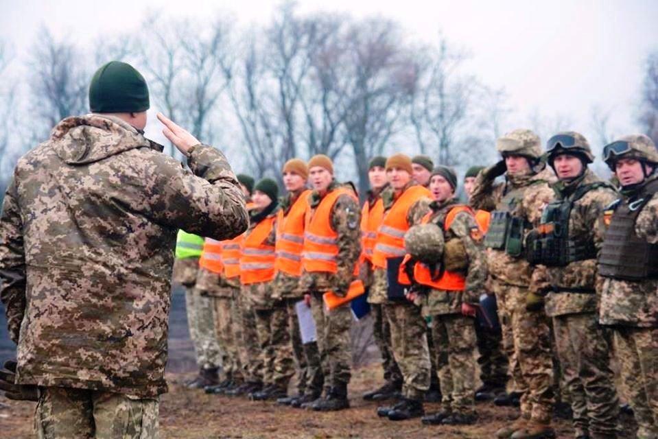На Луганщині пройшли комплексні інструкторсько-методичні заняття з офіцерами Десантно-штурмових військ ЗС України