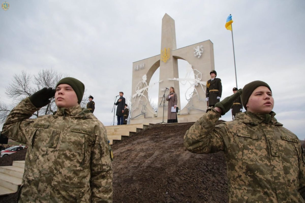 Військовослужбовці Національної академії взяли участь у врочистому відкритті меморіалу «Героям Вовчухівської офензиви»