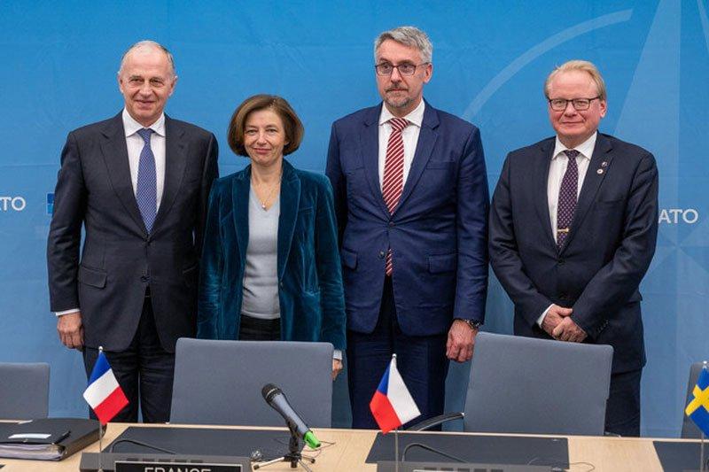 Чехія і Швеція спільно замовлятимуть боєприпаси в НАТО