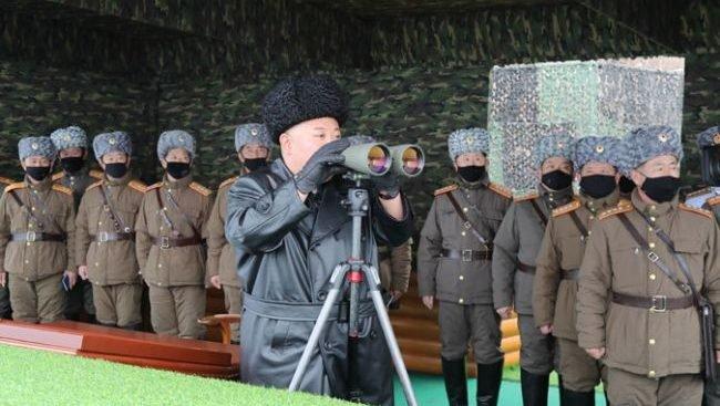 На військових навчаннях армія КНДР перетворила острів «на море вогню»