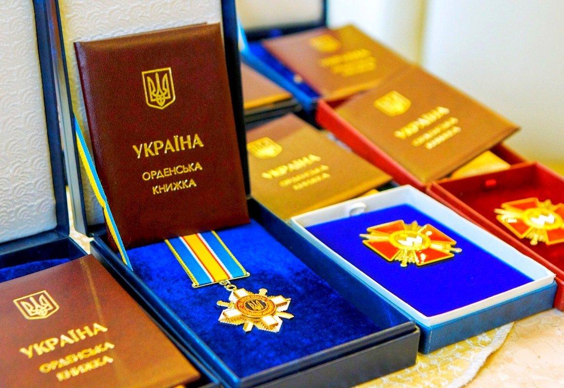 Президент України підписав Указ про нагородження воїнів державними нагородами