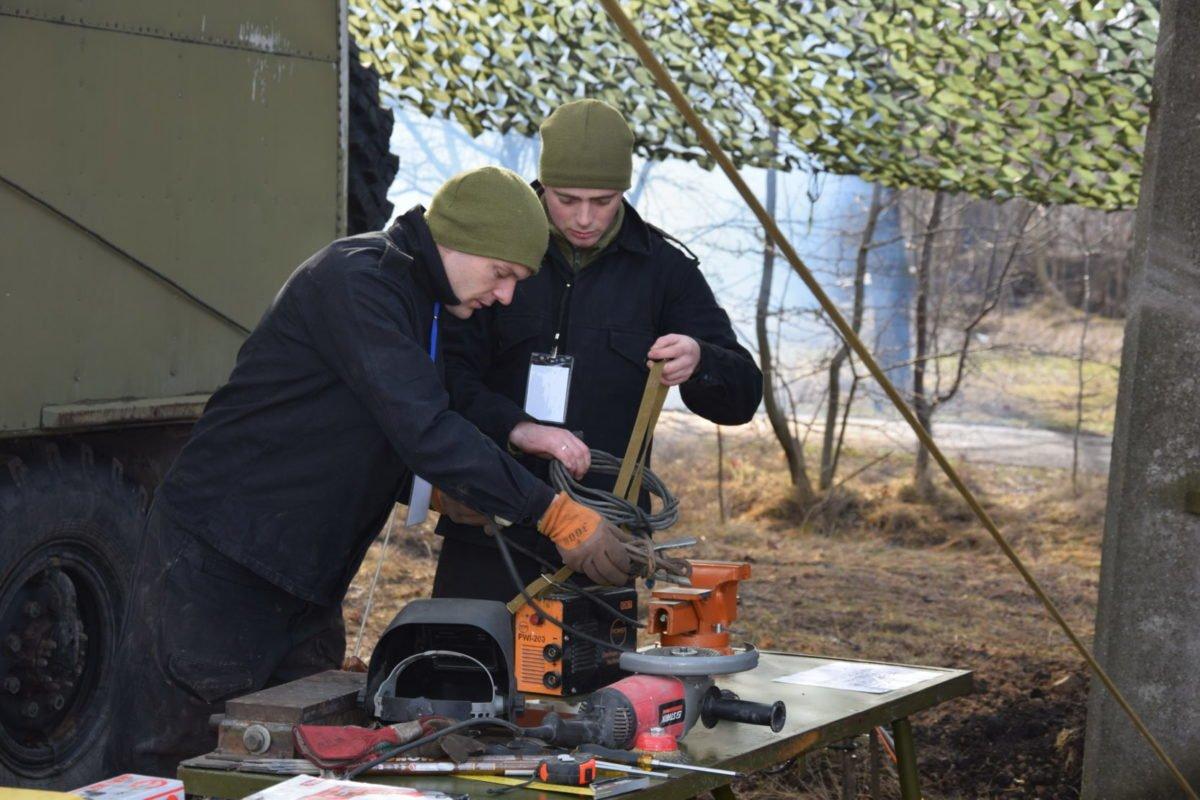 Бойовий досвід проти зимового бездоріжжя – охоронці неба провели екстремальні навчання