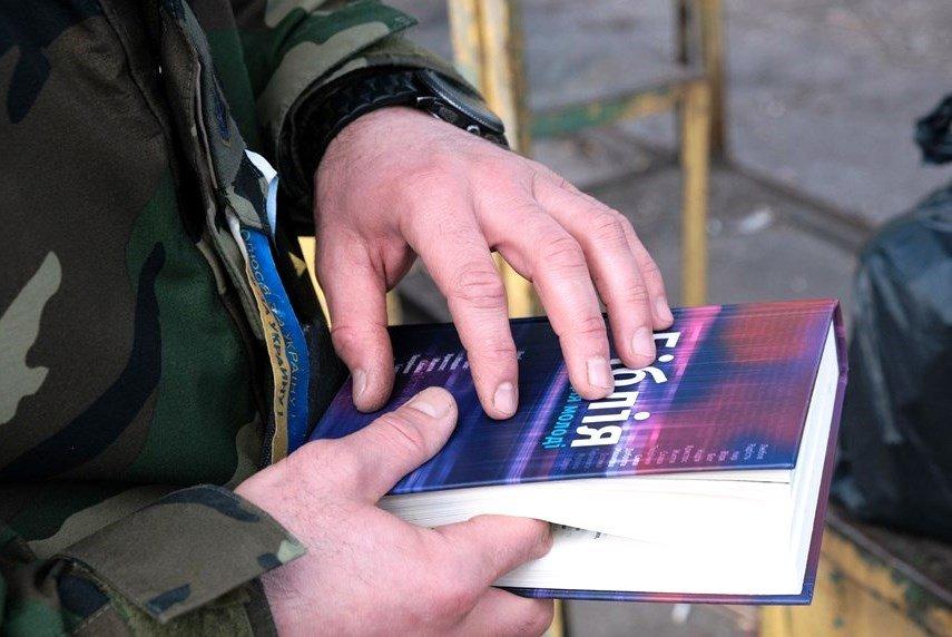 У Кропивницькому ветеран АТО готує обіди бідним людям